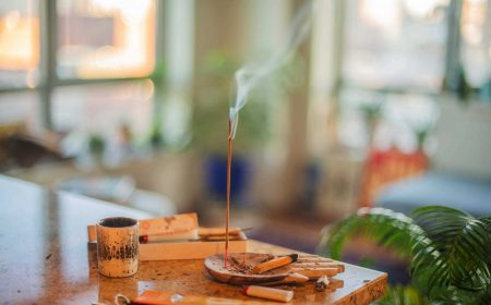 incense-sets-the-mood-ghzdvl3_optimized